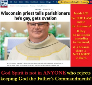 WisconsinPriestGayGetsOvation
